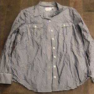 Vineyard Vines navy&white checked button up shirt